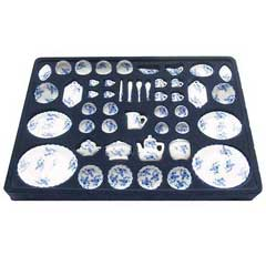 50-Pc Blue and White Floral Table Setting
