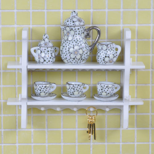 White Cottage Shelf